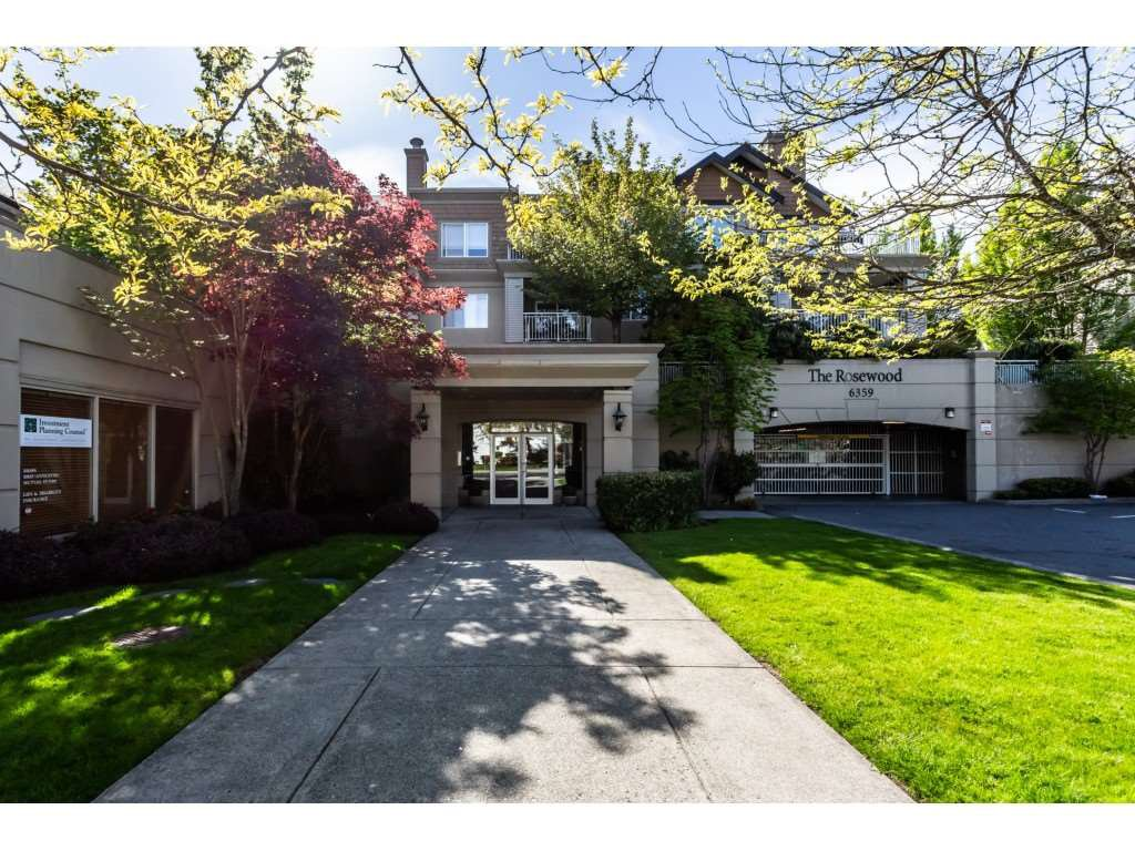 """Main Photo: 209 6359 198 Street in Langley: Willoughby Heights Condo for sale in """"Rosewood"""" : MLS®# R2365398"""