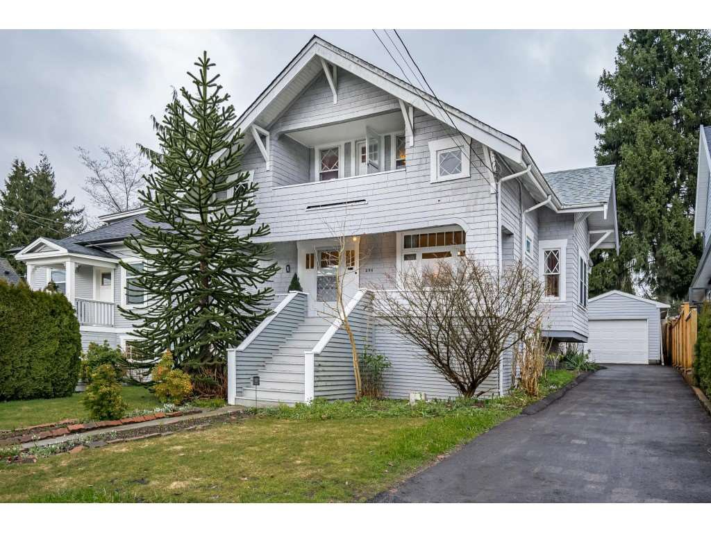 Main Photo: 256 EIGHTH Avenue in New Westminster: GlenBrooke North House for sale : MLS®# R2437006