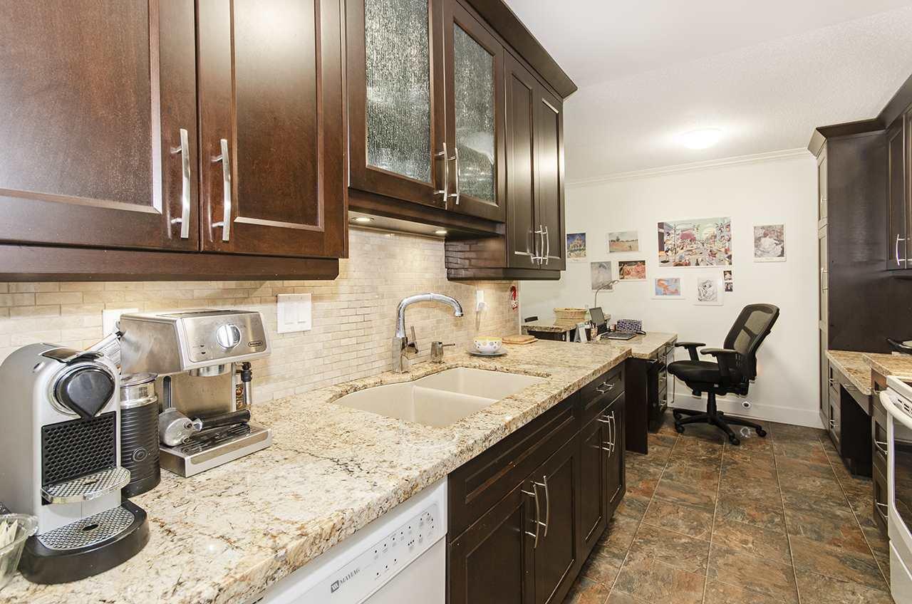 """Main Photo: 205 13525 96 Avenue in Surrey: Queen Mary Park Surrey Condo for sale in """"ARBUTUS"""" : MLS®# R2479457"""
