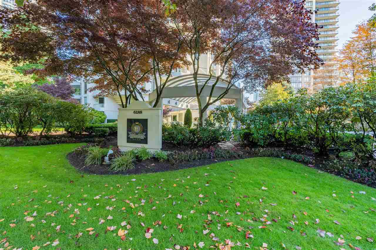 """Main Photo: 401 6188 PATTERSON Avenue in Burnaby: Metrotown Condo for sale in """"WIMBLEDON CLUB"""" (Burnaby South)  : MLS®# R2511892"""
