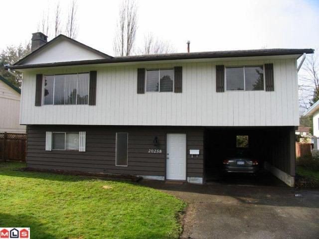 Main Photo: 20258 52ND Avenue in Langley: Langley City House for sale : MLS®# F1110259