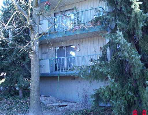 """Main Photo: 110 10468 148TH ST in Surrey: Guildford Condo for sale in """"GUILDFORD GREEN"""" (North Surrey)  : MLS®# F2604026"""