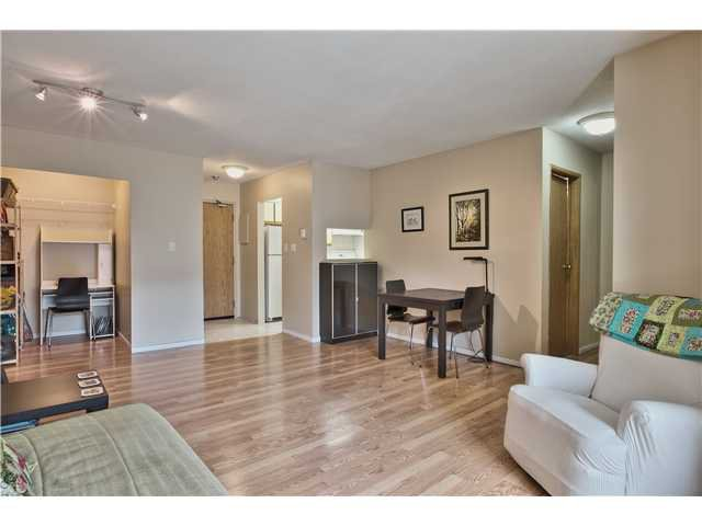 "Main Photo: 205 1450 E 7TH Avenue in Vancouver: Grandview VE Condo for sale in ""RIDGEWAY PLACE"" (Vancouver East)  : MLS®# V1061466"