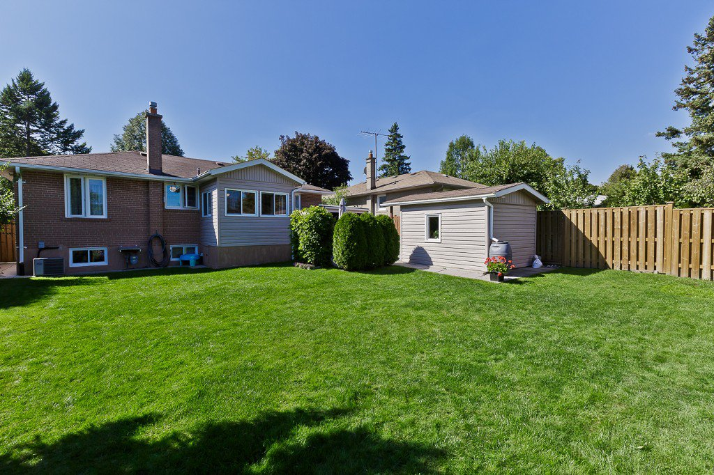 Photo 4: Photos: 1289 Daimler Road in Mississauga: Clarkson House (Bungalow-Raised) for sale : MLS®# W3028848