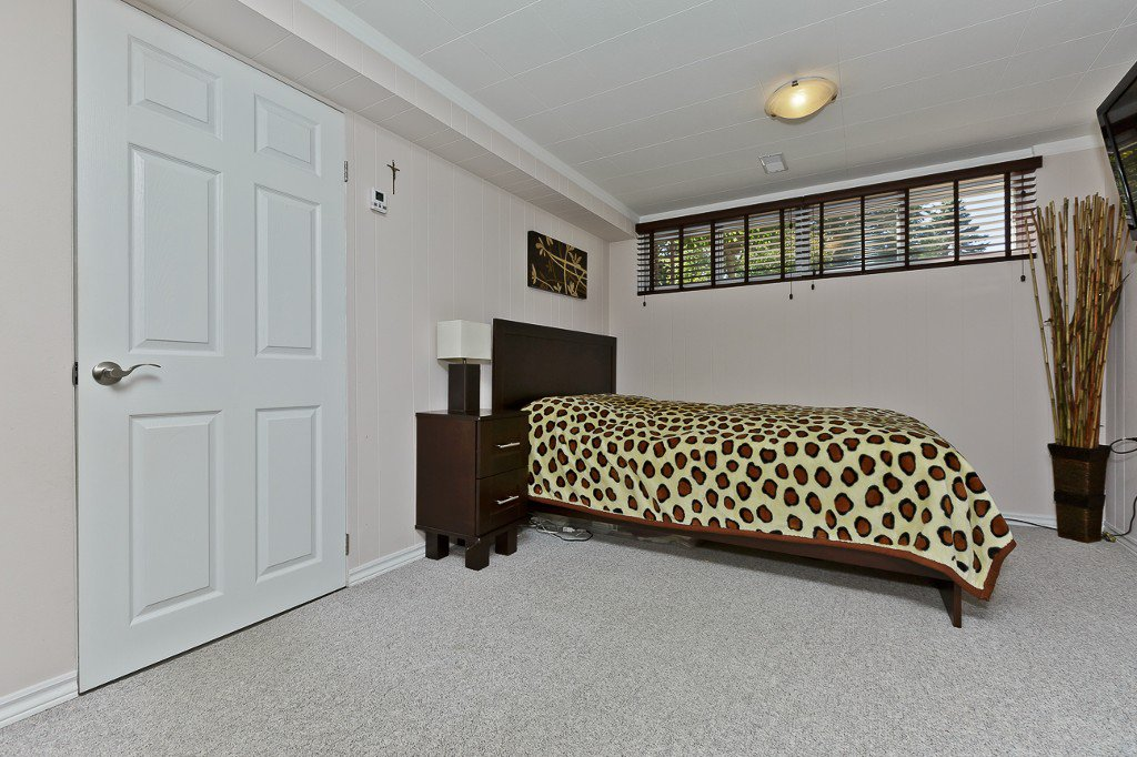 Photo 33: Photos: 1289 Daimler Road in Mississauga: Clarkson House (Bungalow-Raised) for sale : MLS®# W3028848