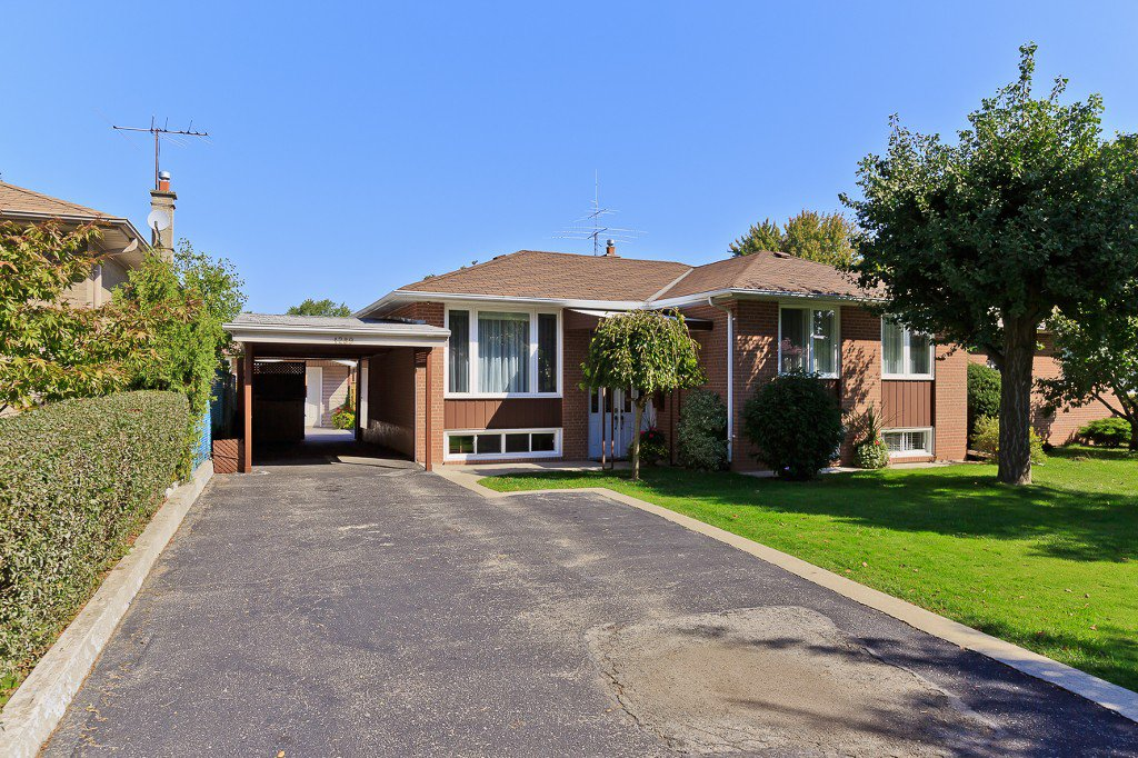 Main Photo: 1289 Daimler Road in Mississauga: Clarkson House (Bungalow-Raised) for sale : MLS®# W3028848