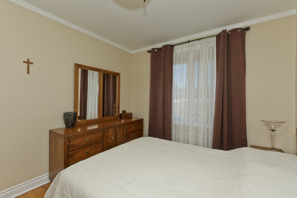 Photo 32: Photos: 1289 Daimler Road in Mississauga: Clarkson House (Bungalow-Raised) for sale : MLS®# W3028848