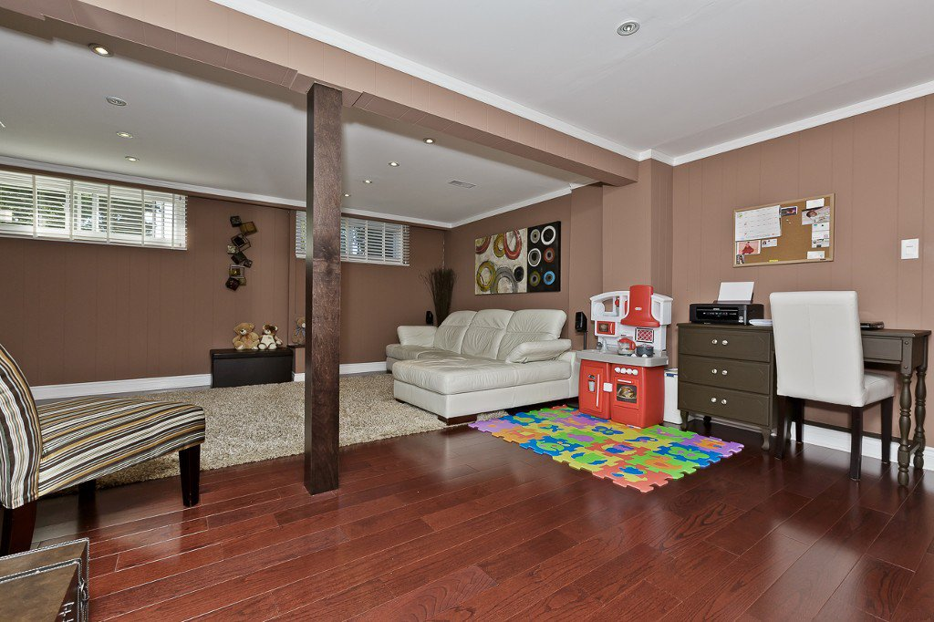 Photo 23: Photos: 1289 Daimler Road in Mississauga: Clarkson House (Bungalow-Raised) for sale : MLS®# W3028848