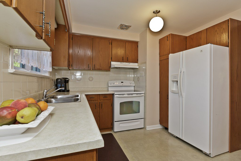 Photo 21: Photos: 1289 Daimler Road in Mississauga: Clarkson House (Bungalow-Raised) for sale : MLS®# W3028848