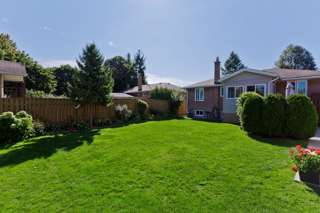 Photo 5: Photos: 1289 Daimler Road in Mississauga: Clarkson House (Bungalow-Raised) for sale : MLS®# W3028848