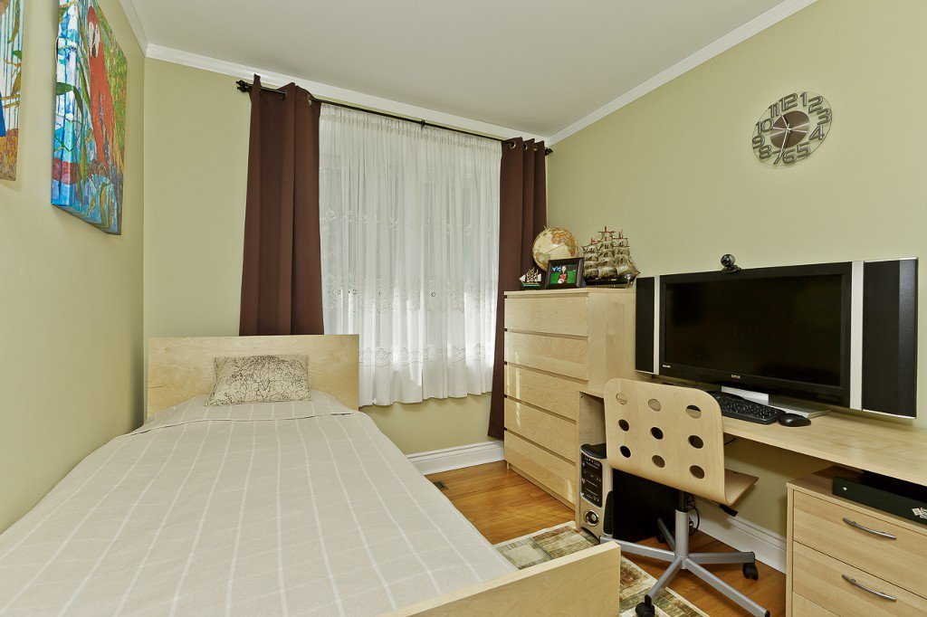 Photo 34: Photos: 1289 Daimler Road in Mississauga: Clarkson House (Bungalow-Raised) for sale : MLS®# W3028848