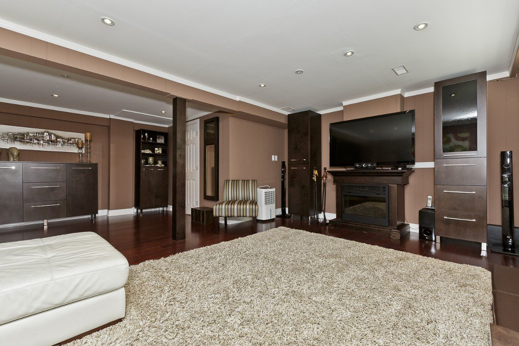 Photo 27: Photos: 1289 Daimler Road in Mississauga: Clarkson House (Bungalow-Raised) for sale : MLS®# W3028848