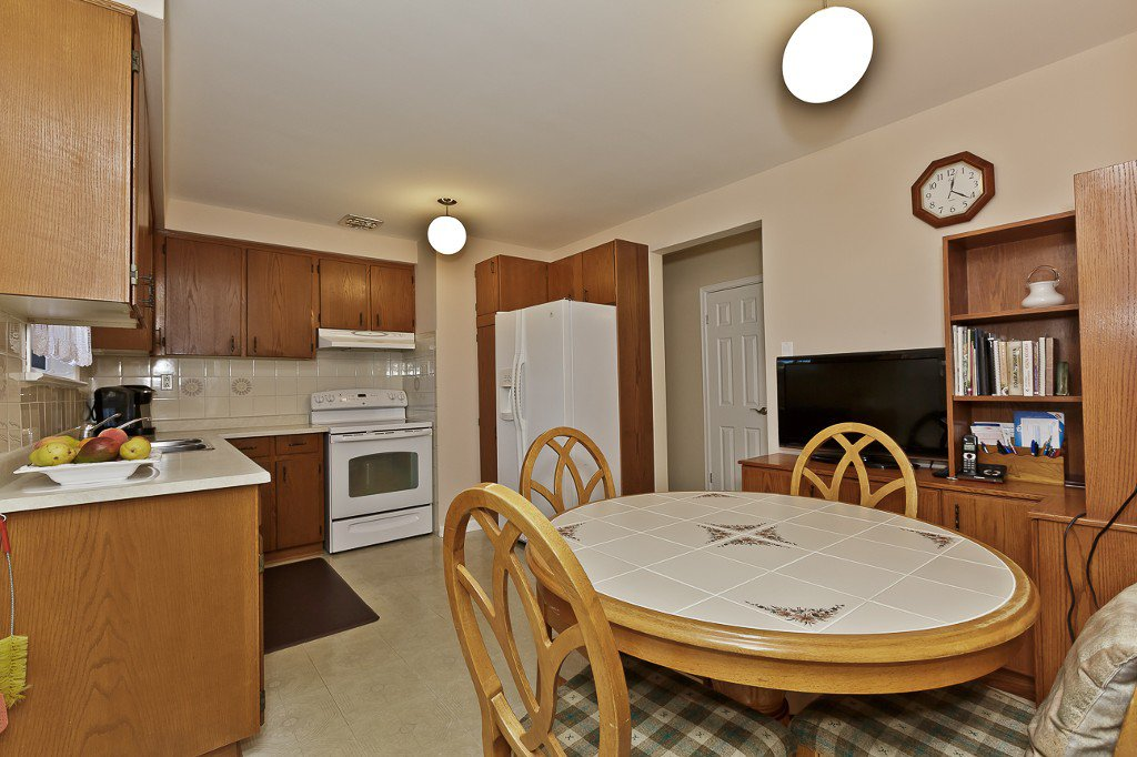 Photo 20: Photos: 1289 Daimler Road in Mississauga: Clarkson House (Bungalow-Raised) for sale : MLS®# W3028848