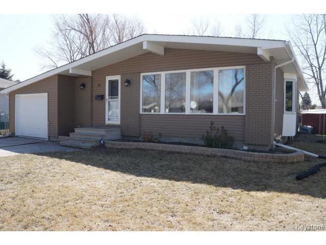 Main Photo: 31 Leisure Bay in WINNIPEG: Westwood / Crestview Residential for sale (West Winnipeg)  : MLS®# 1508343