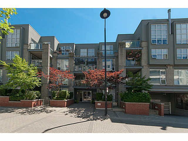 "Main Photo: 106 2288 MARSTRAND Avenue in Vancouver: Kitsilano Condo for sale in ""DUO"" (Vancouver West)  : MLS®# V1132743"