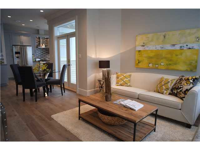 Photo 3: Photos: 334 W 14TH Avenue in Vancouver: Mount Pleasant VW Townhouse for sale (Vancouver West)  : MLS®# R2074925