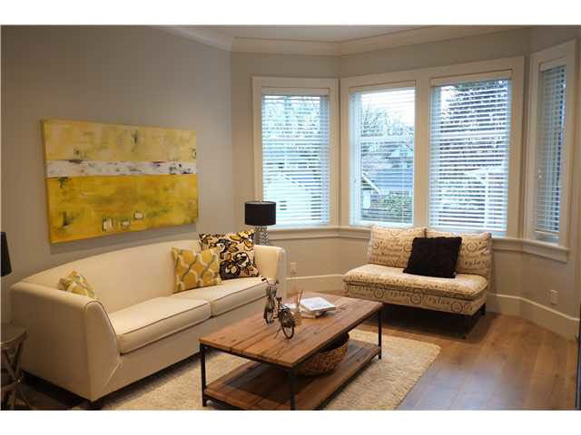 Photo 2: Photos: 334 W 14TH Avenue in Vancouver: Mount Pleasant VW Townhouse for sale (Vancouver West)  : MLS®# R2074925