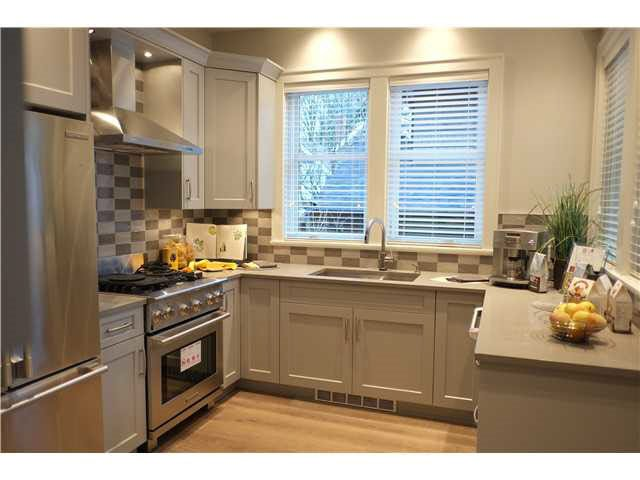 Photo 6: Photos: 334 W 14TH Avenue in Vancouver: Mount Pleasant VW Townhouse for sale (Vancouver West)  : MLS®# R2074925
