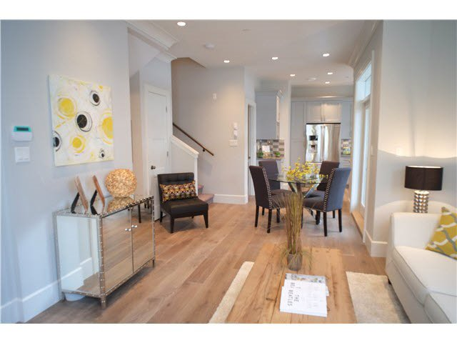 Photo 4: Photos: 334 W 14TH Avenue in Vancouver: Mount Pleasant VW Townhouse for sale (Vancouver West)  : MLS®# R2074925