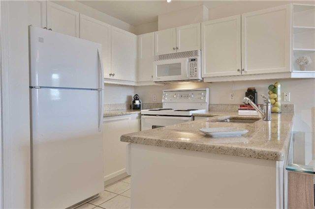 Photo 2: Photos: 301 600 E Eglinton Avenue in Toronto: Mount Pleasant East Condo for sale (Toronto C10)  : MLS®# C3815642