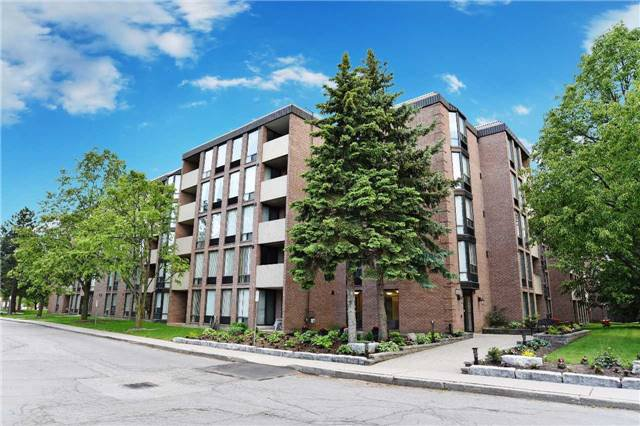 Main Photo: 103 1525 Diefenbaker Court in Pickering: Town Centre Condo for sale : MLS®# E3837860