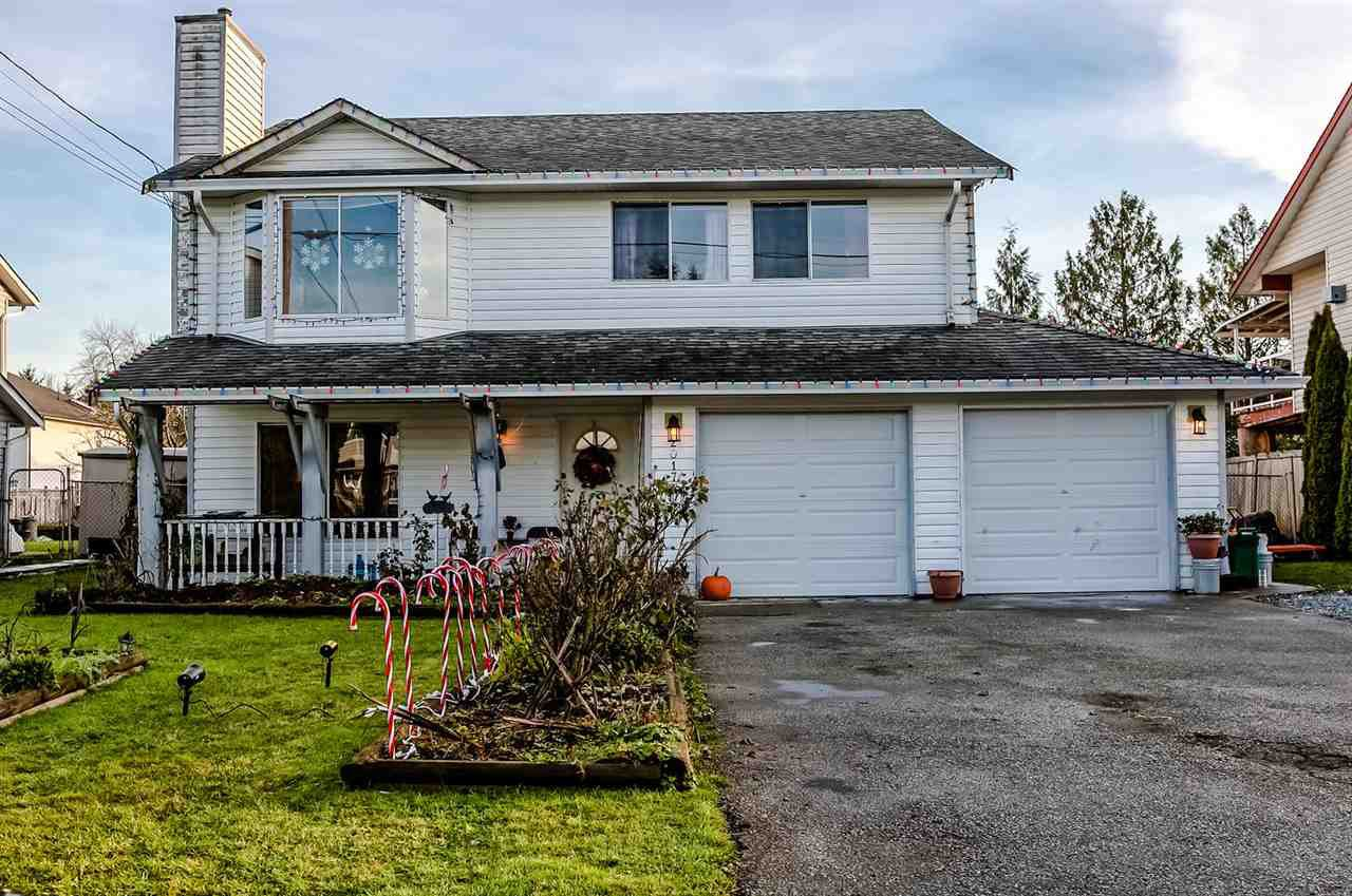 Main Photo: 20174 HAMPTON Street in Maple Ridge: Southwest Maple Ridge House for sale : MLS®# R2228203