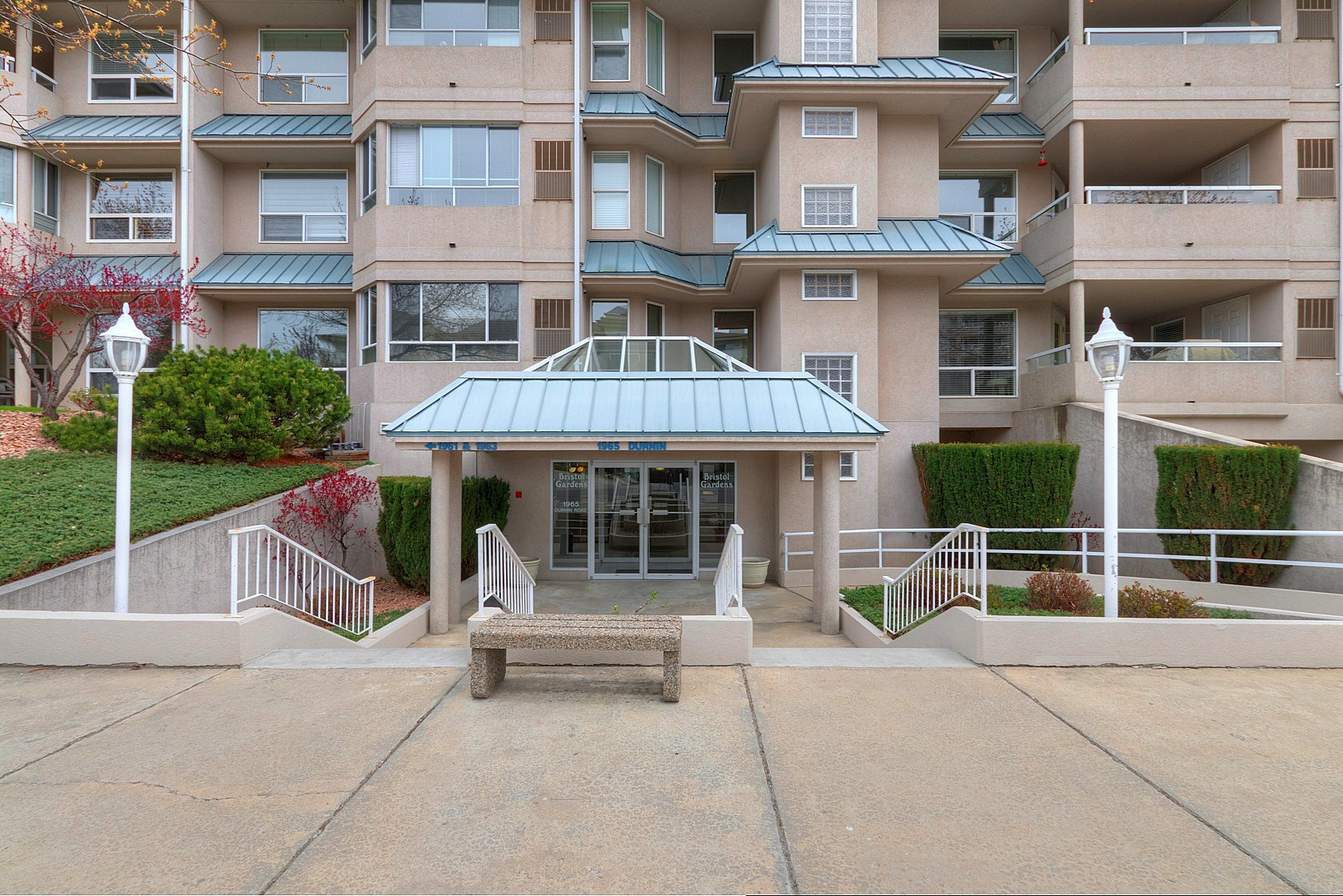 Main Photo: 107 1965 Durnin Road in Kelowna: Springfield/Spall Multi-family for sale (Central Okanagan)  : MLS®# 10148720