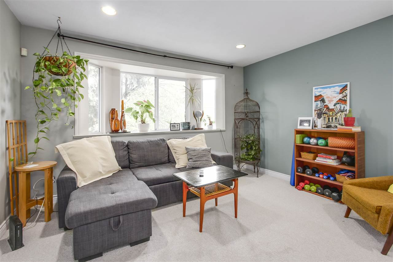 Main Photo: 1262 E 13TH Avenue in Vancouver: Mount Pleasant VE House for sale (Vancouver East)  : MLS®# R2245046