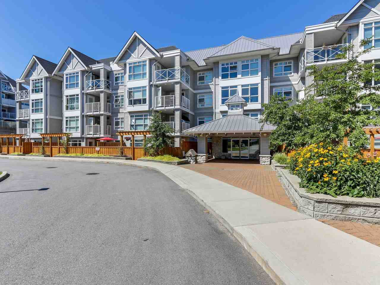 Main Photo: 410 3136 ST JOHNS Street in Port Moody: Port Moody Centre Condo for sale : MLS®# R2292011