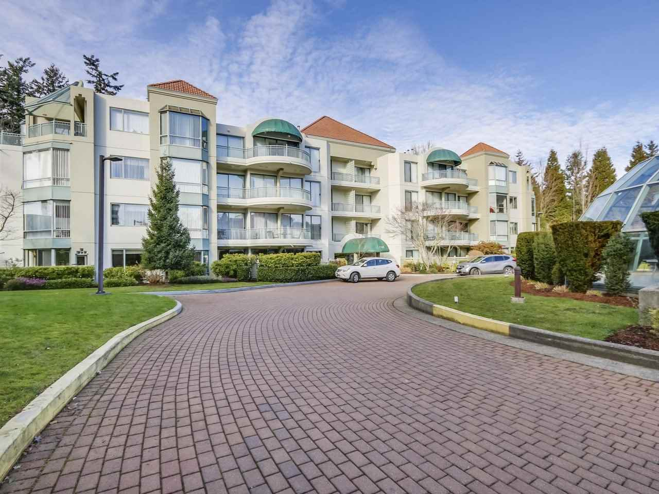 "Main Photo: 202 1745 MARTIN Drive in Surrey: Sunnyside Park Surrey Condo for sale in ""SOUTHWYND"" (South Surrey White Rock)  : MLS®# R2334563"