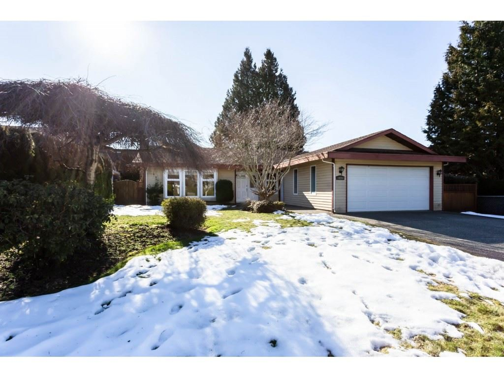 """Main Photo: 14254 18A Avenue in Surrey: Sunnyside Park Surrey House for sale in """"OCEAN BLUFF"""" (South Surrey White Rock)  : MLS®# R2343364"""