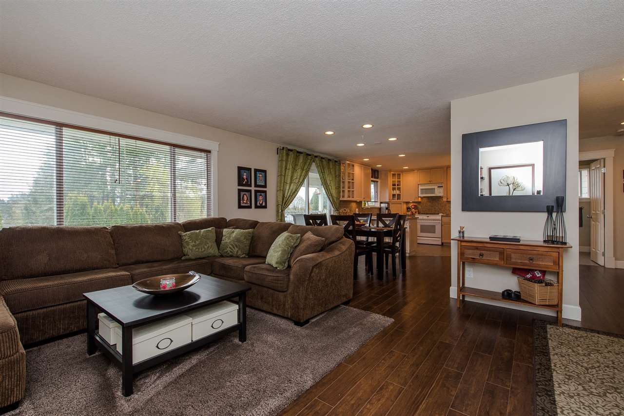 Photo 4: Photos: 2024 - 2026 MAJESTIC Crescent in Abbotsford: Abbotsford West House Duplex for sale : MLS®# R2460566