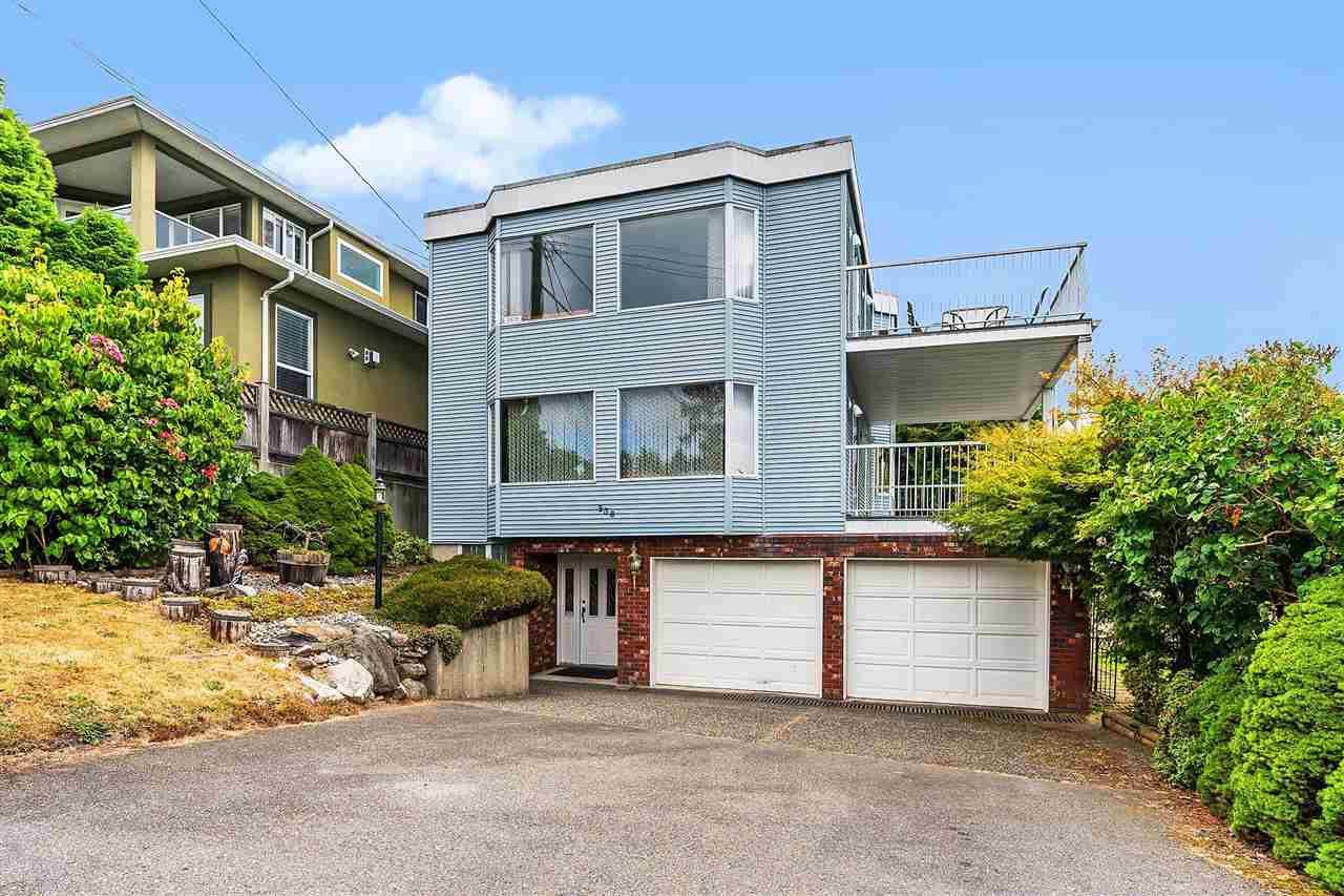 Main Photo: 938 KENT Street: White Rock House for sale (South Surrey White Rock)  : MLS®# R2479856