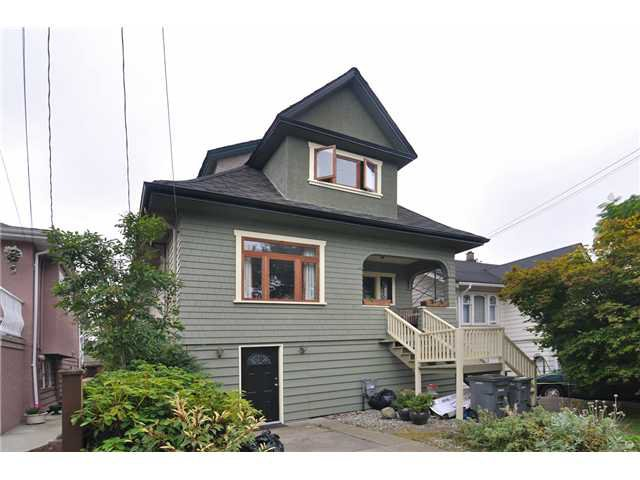 Main Photo: 932 East 30th ave Street in Vancouver: Fraser VE House for sale (Vancouver East)  : MLS®# v973539