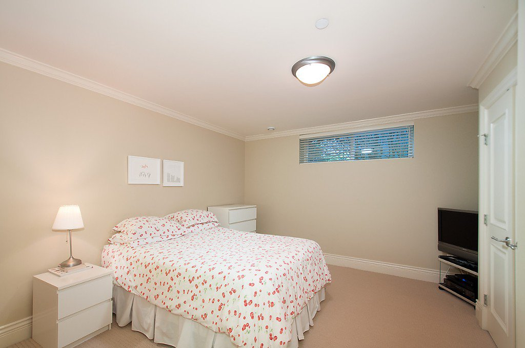 Photo 28: Photos: 4069 W 34TH Avenue in Vancouver: Dunbar House for sale (Vancouver West)  : MLS®# V1086034