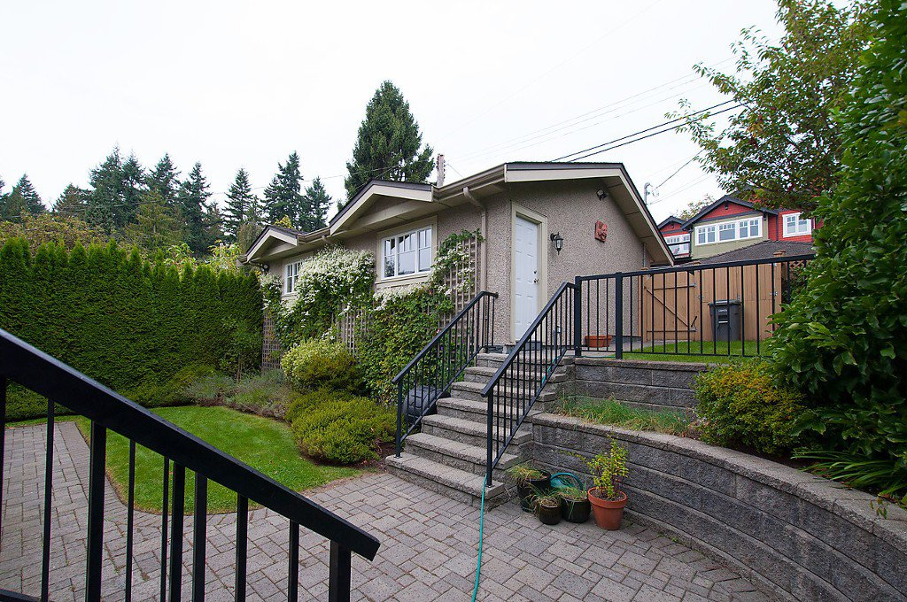 Photo 35: Photos: 4069 W 34TH Avenue in Vancouver: Dunbar House for sale (Vancouver West)  : MLS®# V1086034