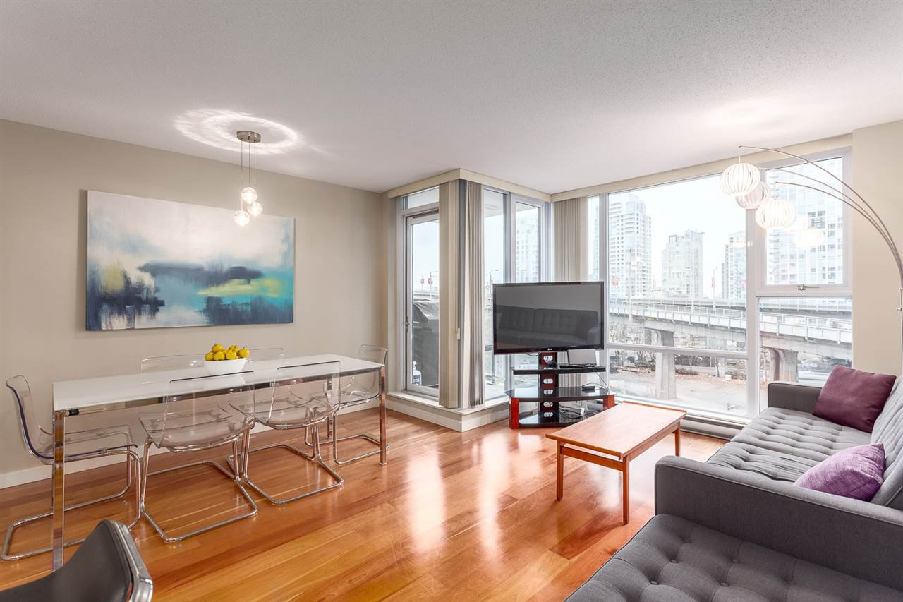 Photo 7: Photos: 705 550 PACIFIC Street in Vancouver: Yaletown Condo for sale (Vancouver West)  : MLS®# R2017083