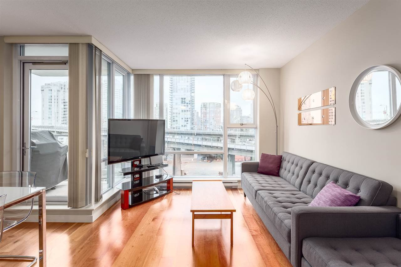 Photo 6: Photos: 705 550 PACIFIC Street in Vancouver: Yaletown Condo for sale (Vancouver West)  : MLS®# R2017083