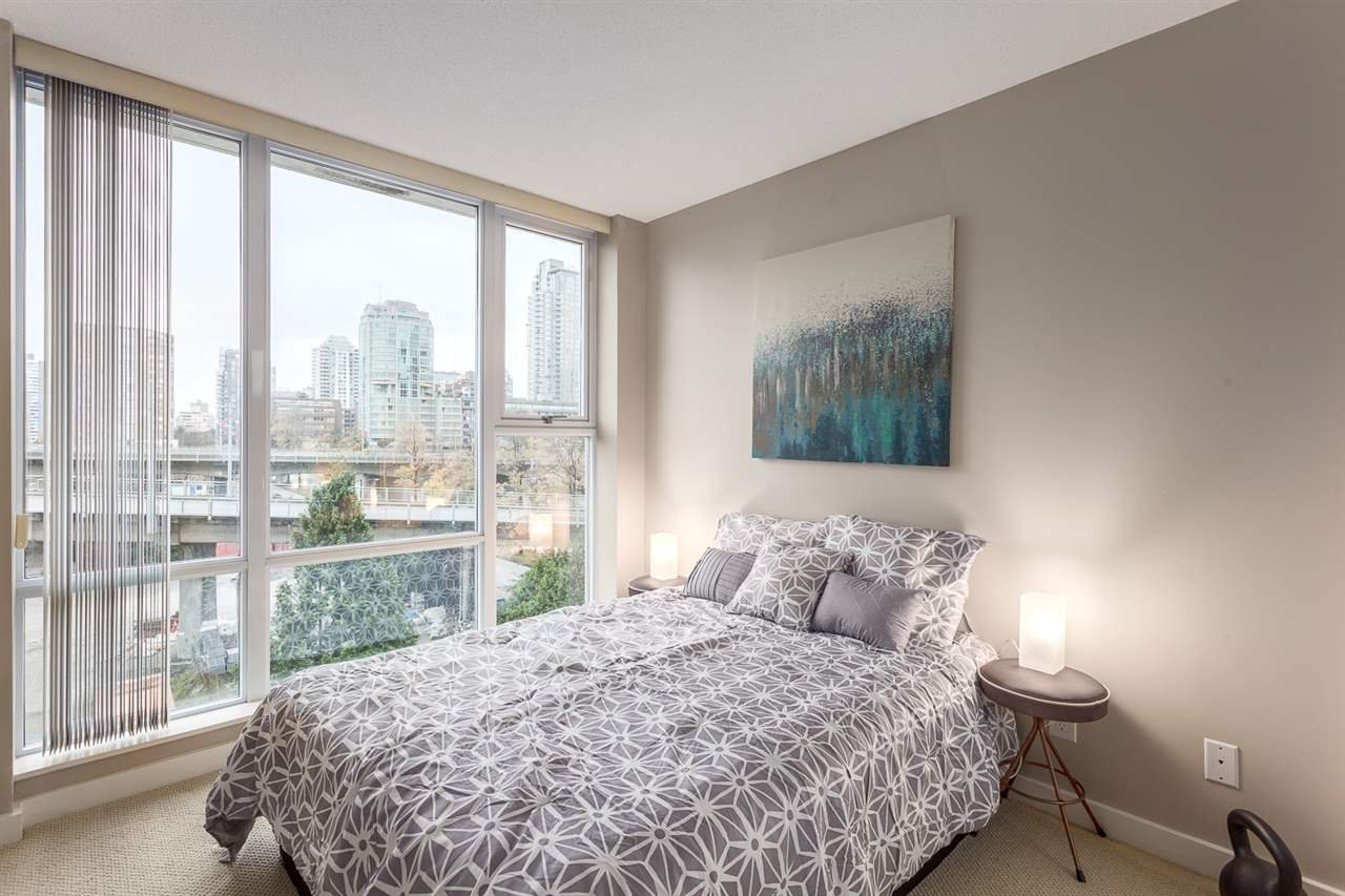 Photo 12: Photos: 705 550 PACIFIC Street in Vancouver: Yaletown Condo for sale (Vancouver West)  : MLS®# R2017083