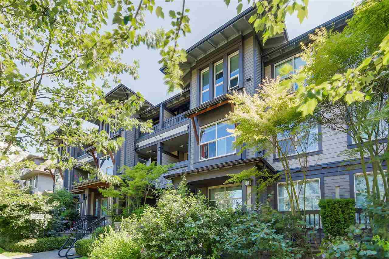 "Main Photo: 303 1468 ST. ANDREWS Avenue in North Vancouver: Central Lonsdale Condo for sale in ""AVONDALE"" : MLS®# R2092586"