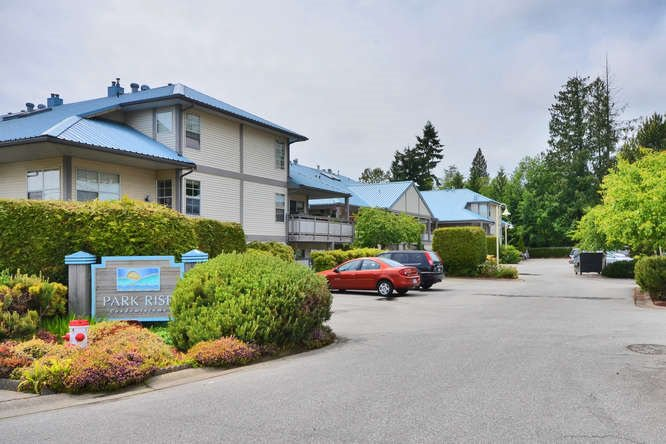 "Main Photo: 38 689 PARK Road in Gibsons: Gibsons & Area Condo for sale in ""Parkrise"" (Sunshine Coast)  : MLS®# R2095406"