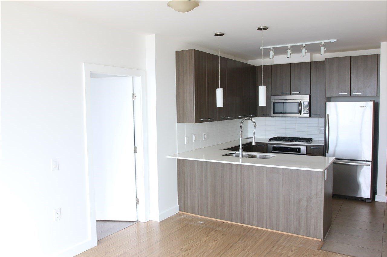 """Main Photo: 506 2955 ATLANTIC Avenue in Coquitlam: North Coquitlam Condo for sale in """"OASIS"""" : MLS®# R2097207"""