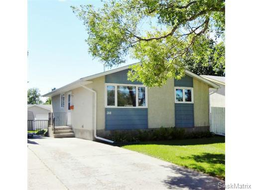 Main Photo: 218 Waterloo Crescent in Saskatoon: Single Family Dwelling for sale : MLS®# 583488