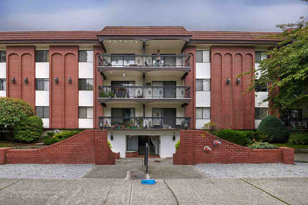 "Main Photo: 104 707 HAMILTON Street in New Westminster: Uptown NW Condo for sale in ""CASA DIANN"" : MLS®# R2112088"