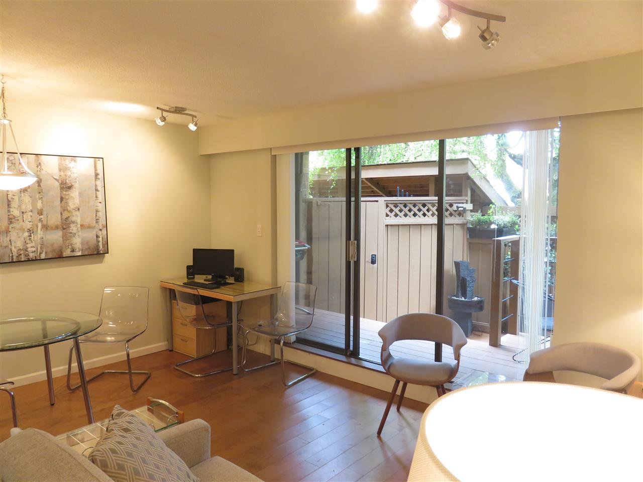 """Photo 4: Photos: 101 1930 W 3RD Avenue in Vancouver: Kitsilano Condo for sale in """"WESTVIEW"""" (Vancouver West)  : MLS®# R2169188"""