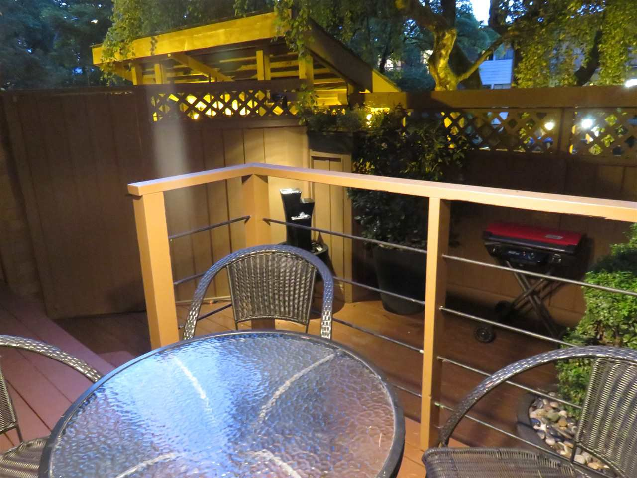 """Photo 2: Photos: 101 1930 W 3RD Avenue in Vancouver: Kitsilano Condo for sale in """"WESTVIEW"""" (Vancouver West)  : MLS®# R2169188"""