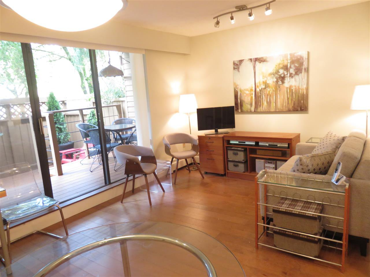 """Photo 3: Photos: 101 1930 W 3RD Avenue in Vancouver: Kitsilano Condo for sale in """"WESTVIEW"""" (Vancouver West)  : MLS®# R2169188"""