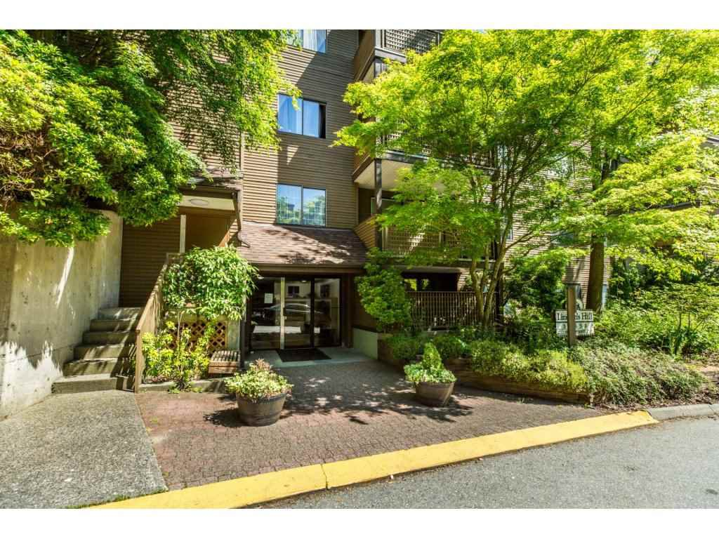 "Main Photo: 308 10698 151A Street in Surrey: Guildford Condo for sale in ""Lincoln's Hill"" (North Surrey)  : MLS®# R2173688"