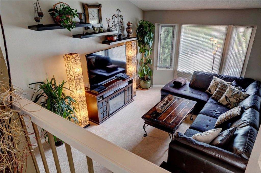 Photo 8: Photos: 110 DEERFIELD Terrace SE in Calgary: Deer Ridge House for sale : MLS®# C4123944
