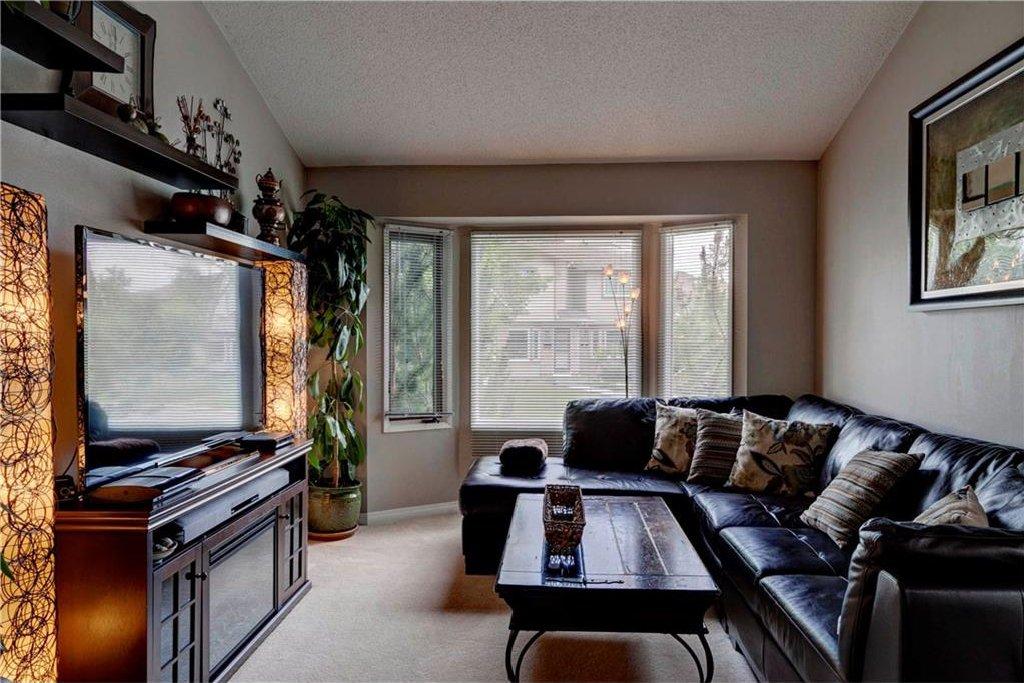Photo 14: Photos: 110 DEERFIELD Terrace SE in Calgary: Deer Ridge House for sale : MLS®# C4123944